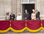 News Photos - English Royal Family